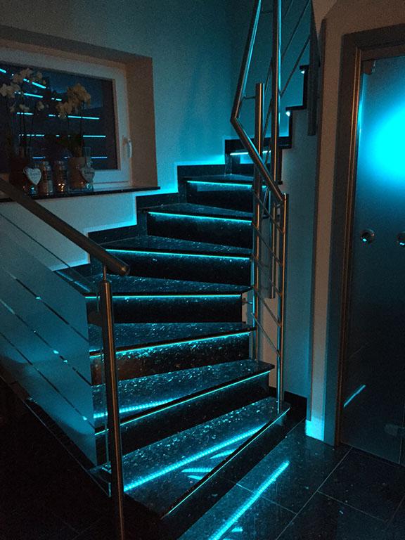 treppenstufenbeleuchtung led. Black Bedroom Furniture Sets. Home Design Ideas